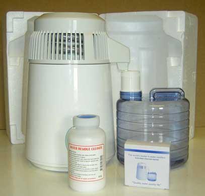 Vattendestillatorn med rengöringsmedel